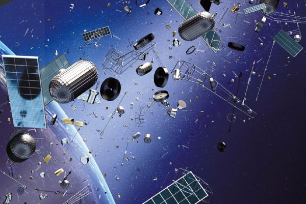 Космический мусор станет ловить спутник с гарпуном и сетью