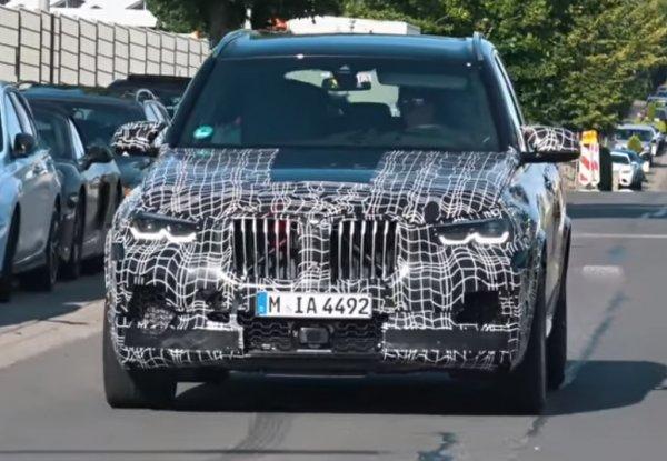 BMW вывел на тесты новый «заряженный» BMW X5 M