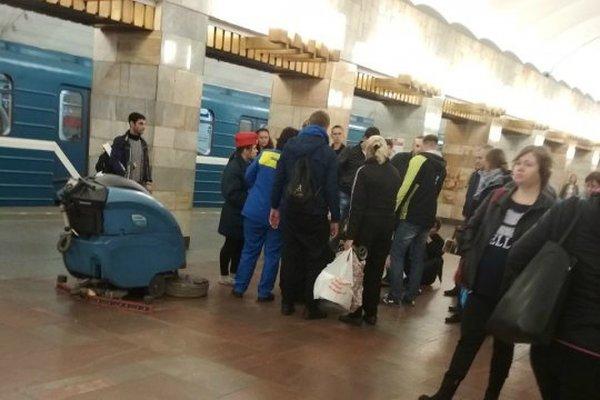 Мать родившегося в метро ребёнка отказалась от него