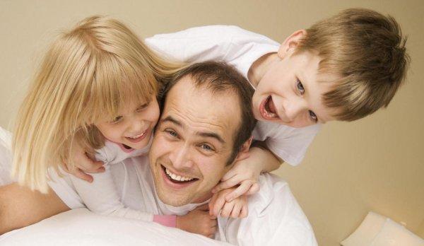 Ученые: На репродуктивный успех мужчин влияет забота о детях