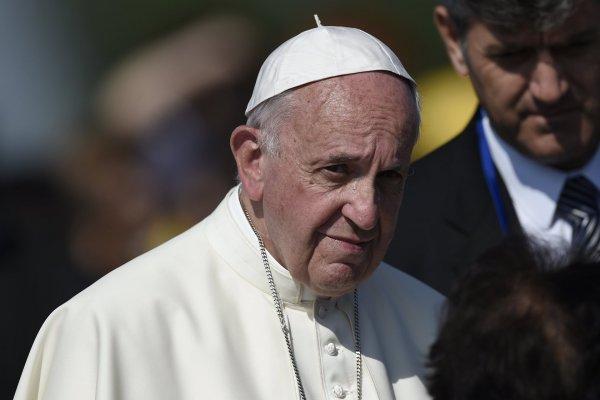 Папа Римский извинился перед молодежью за невнимание к ее проблемам