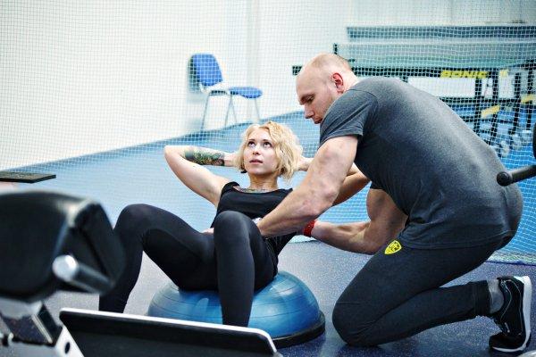 Фитнес-тренер поведала о секретах превосходного пресса