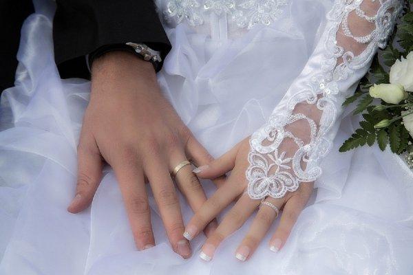Эксперты объяснили, почему россияне реже стали заключать браки