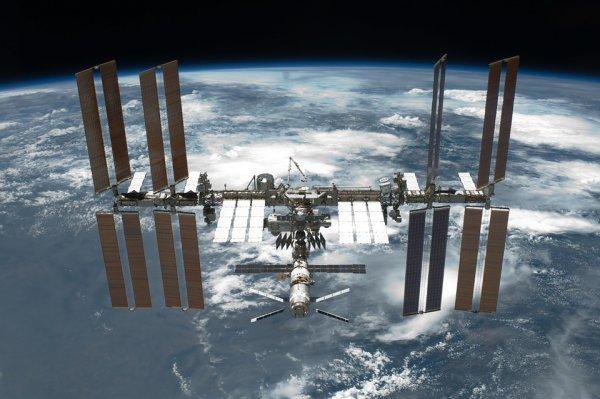 Из-за солнечной активности изменят орбиту МКС