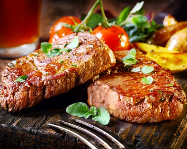 Онкологи: Жареное мясо увеличивает риск развития рака