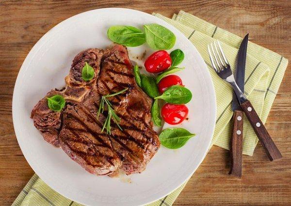 Ученые научились выращивать мясо в лабораториях за три недели