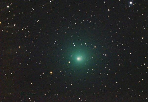 Житель Новосибирска запечатлел изумрудную комету