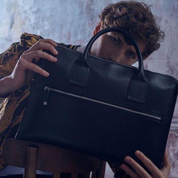 Мужские сумки практичны и завершают деловой стиль