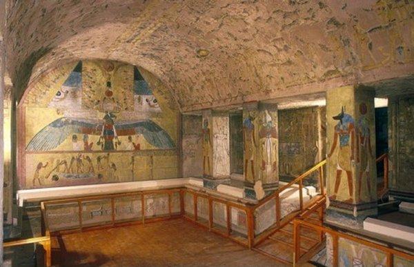 Религиозные жертвоприношения: В Египте нашли гробницу с останками матери и сына