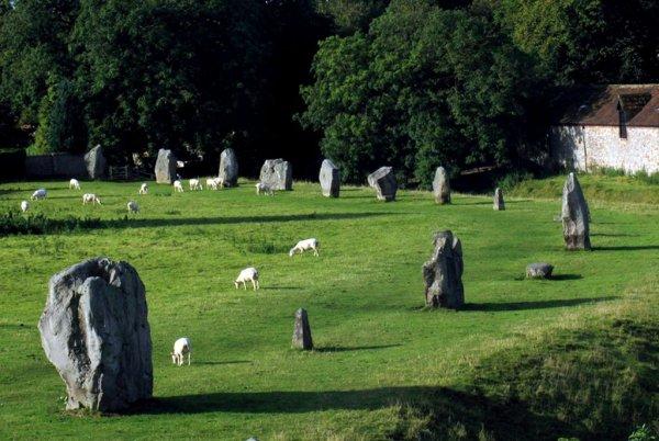 Стоунхендж уже не тот: обнаружен 332-метровый каменный круг