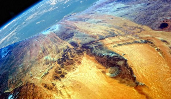 «Будет высадка с Нибиру!» В Сахаре обнаружен «аэродром» для 50-километровых НЛО