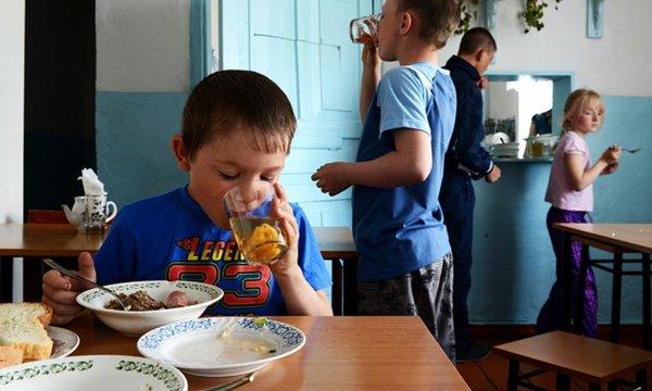 Бешеные наценки и некачественная еда: что изменилось в питании школьников после увеличения бюджета