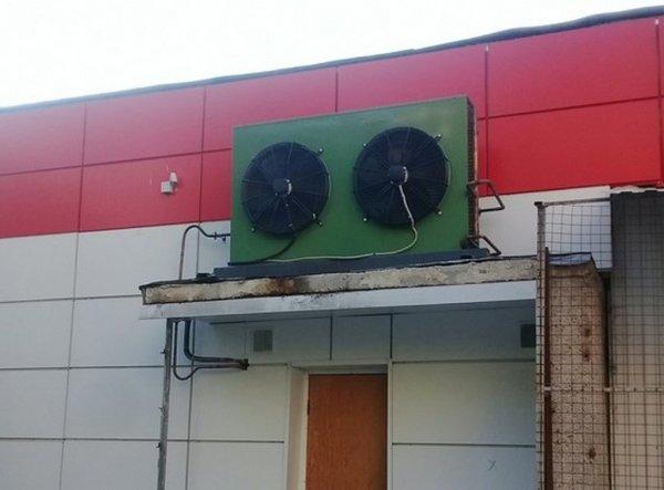 «Магнит» в роли будильника: Вентиляторы на здании магазина оставили горожан без сна