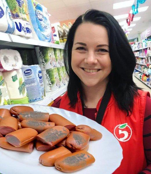Просрочены на 2 месяца – плевать! «Пятерочка» накормила россиянку сосисками «с рублёвки»