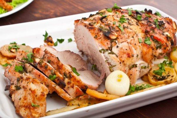 Мясо тает во рту. Кулинарный блогер назвал рецепт лучшего маринада для свинины